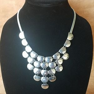 Gorgeous silver chain linked necklace